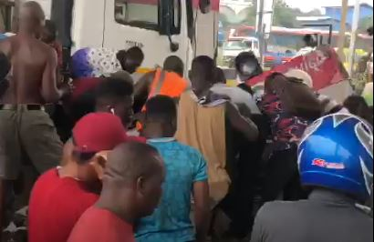 Tipper-truck crashes into Tema motorway toll-booth, attendant feared dead