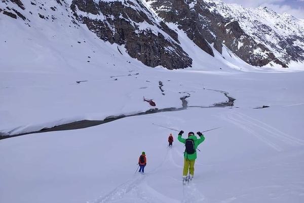 Heli skiing in Manali