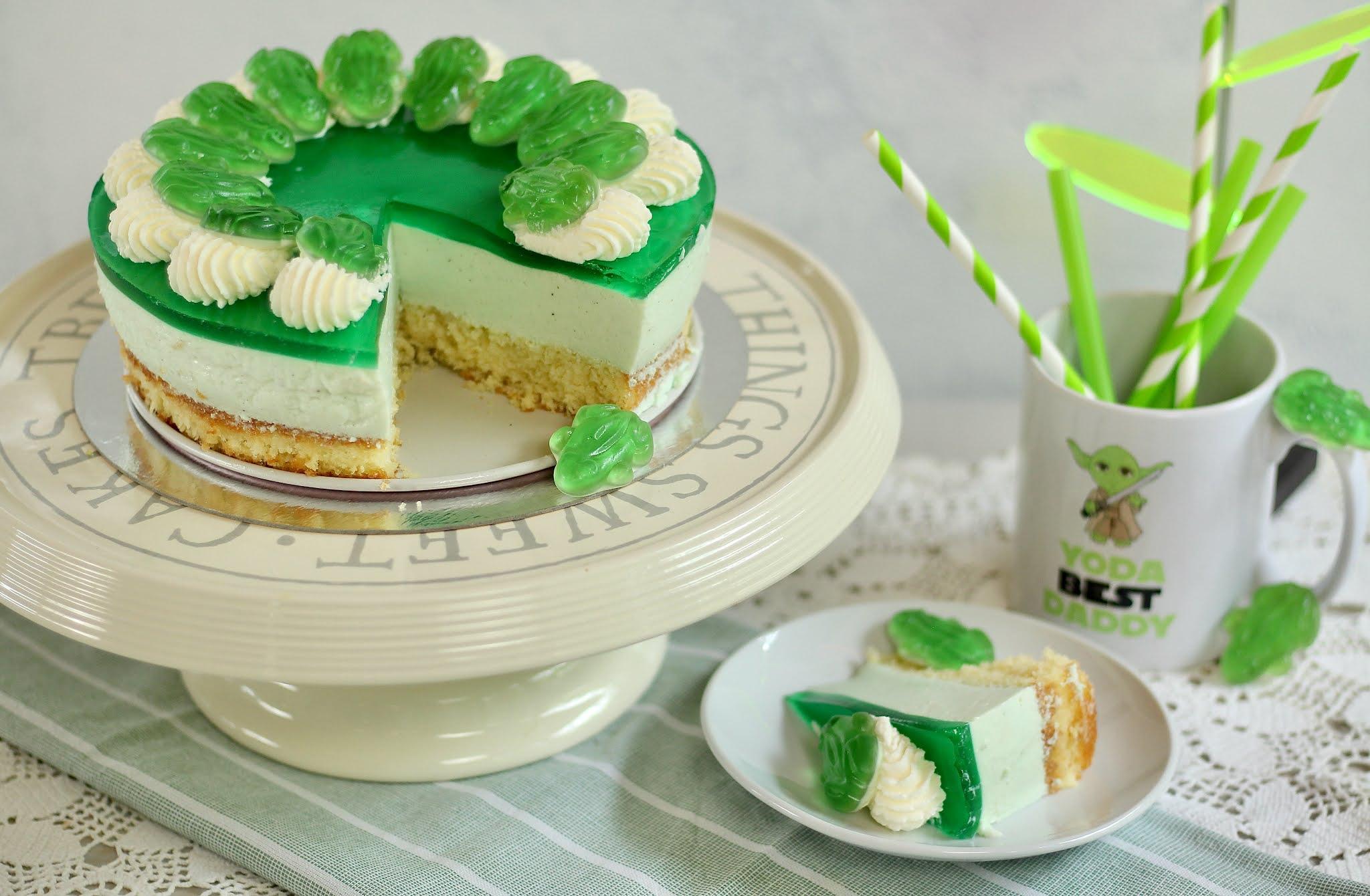 🐸 Fruchtig-cremige Waldmeister-Torte mit allerbestem Obstboden, Sahnehäubchen und Fröschlein 🐸