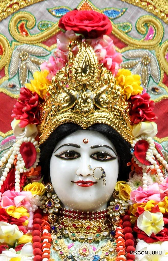 ISKCON Juhu Sringar Deity Darshan on 23rd Aug 2016 (9)