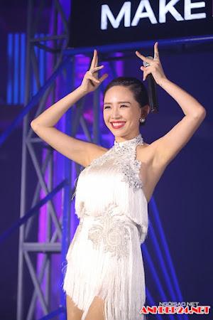Tóc Tiên, Phương Mai đọ vẻ sexy trong sự kiện