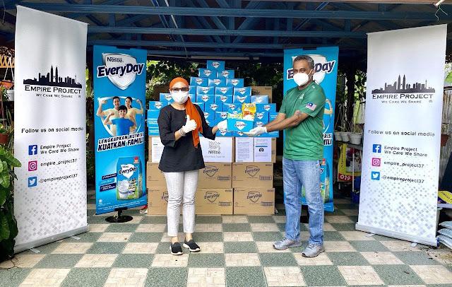 20,000 Pek Bekalan Nutrisi Nestlé EVERYDAY Disumbangkan Kepada Keluarga B40