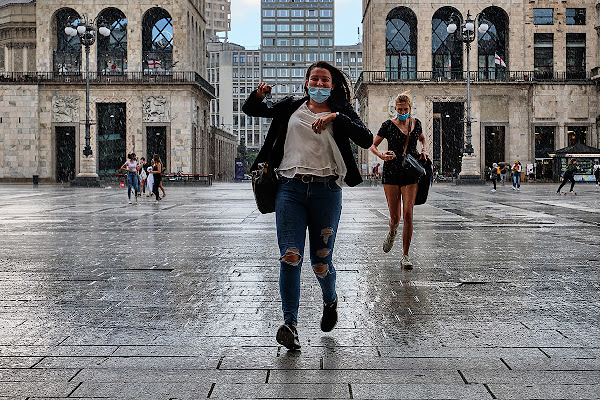 Corri, corri che arriva! di Simone De Barba