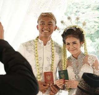diwarnai insiden pengulangan ijab kabul uus resmi menikah