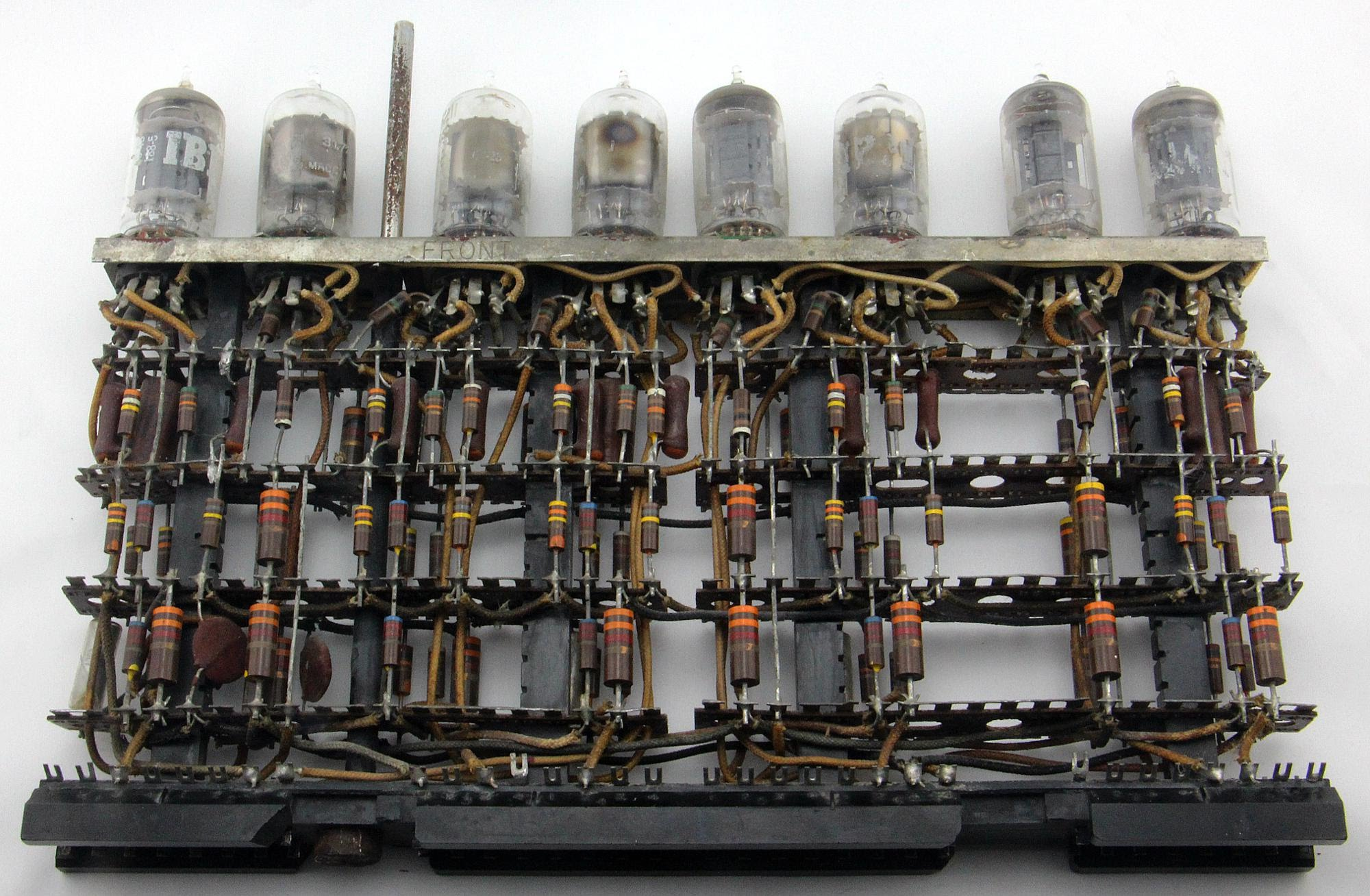 Ken Shirriffs Blog January 2018 Electronic Circuits 8085 Projects Archive Timer This Tube Module From An Ibm 705 Mainframe Computer Implemented Five Key Debouncing