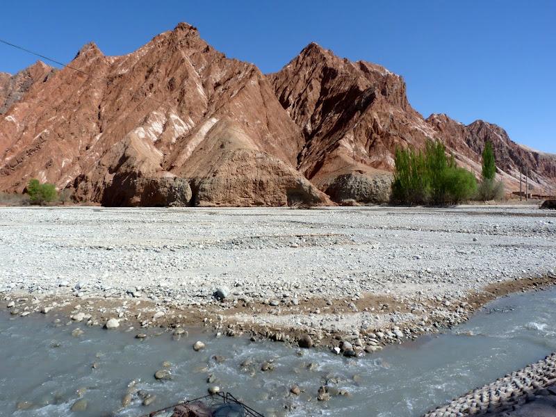XINJIANG. Karakoram Highway, lune des plus haute route au monde, en passant a 4400 m - P1280469.JPG