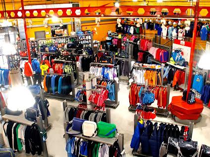 Más Fútbol Imposible  Así es la tienda de Leganés de Fútbol Factory ... 2985b7f22717e
