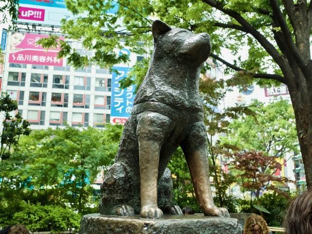 渋谷駅のハチ公の銅像