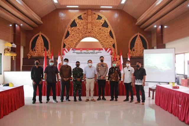Polres Klungkung Gelar Deklarasi Damai Pemilihan Perbekel Serentak Kabupaten Klungkung tahun 2021.