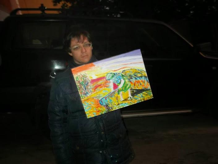 Paolo D'Amata con il quadro da lui realizzato