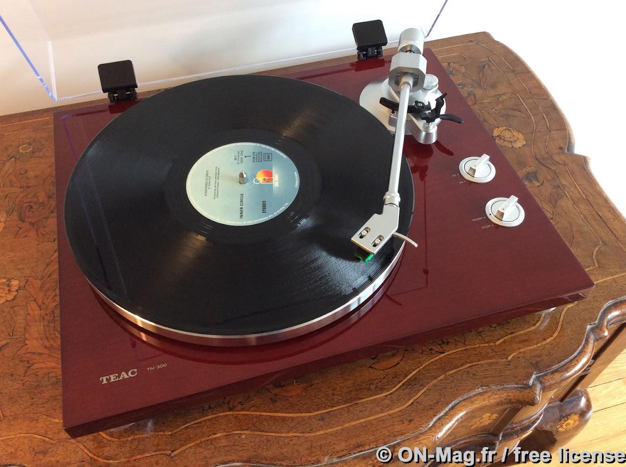 test platine vinyle teac tn 300 une bonne introduction au monde du disque analogique. Black Bedroom Furniture Sets. Home Design Ideas