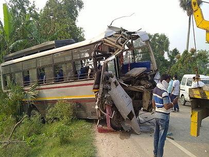 समस्तीपुर में बड़ा सड़क हादसा, प्रवासियों को ले जा रही बस और ट्रक के बीच टक्कर, 2 की मौत, 18 घायल