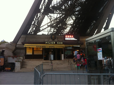 Pilier Sud Restaurant, The Eiffel Tower, La Tour Eiffel, Paris, France www.thebrighterwriter.blogspot.com