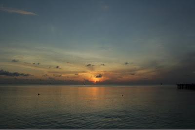 Sunset matahari terbenam Teluk Tamiang.