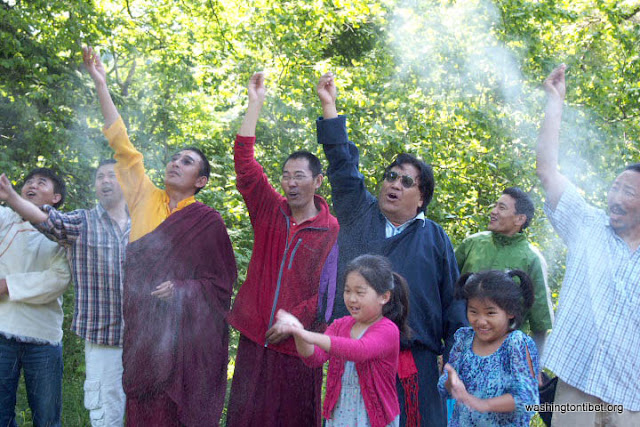H.H. the 14th Dalai Lamas 77th Birthday Celebration at Carkeek Park - 27-ccP7070158%2BHHDL%2BPicnic72.jpg