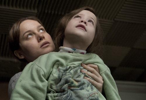 Brie Larson, Jacob Tremblay in ROOM