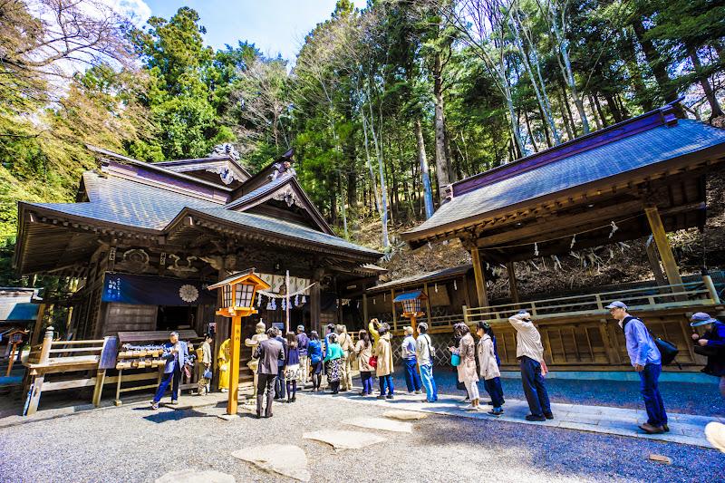 新倉富士浅間神社 本殿 写真2