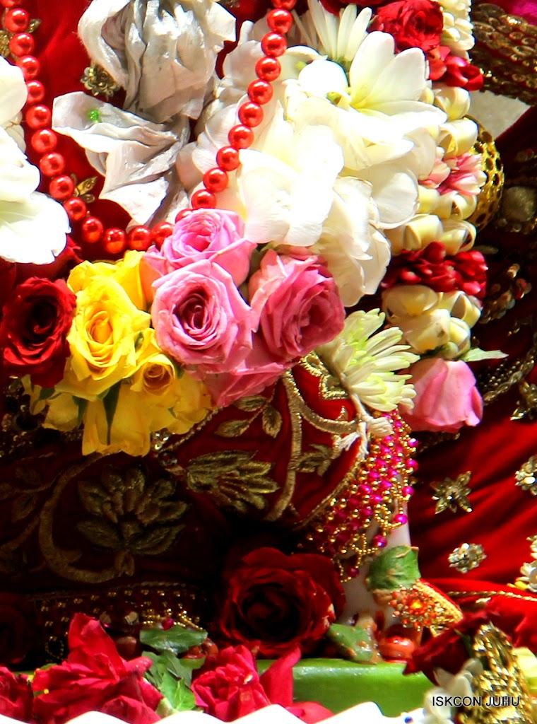 ISKCON Juhu Sringar Deity Darshan on 28th June 2016 (27)