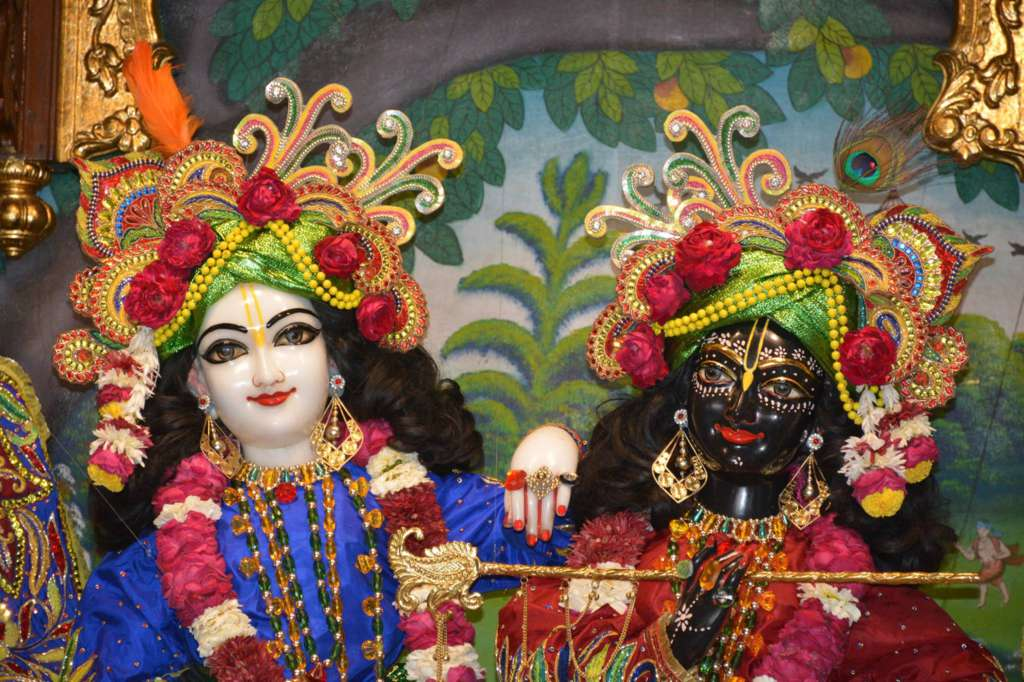 ISKCON Ujjain Deity Darshan 22 Dec 2015 (5)