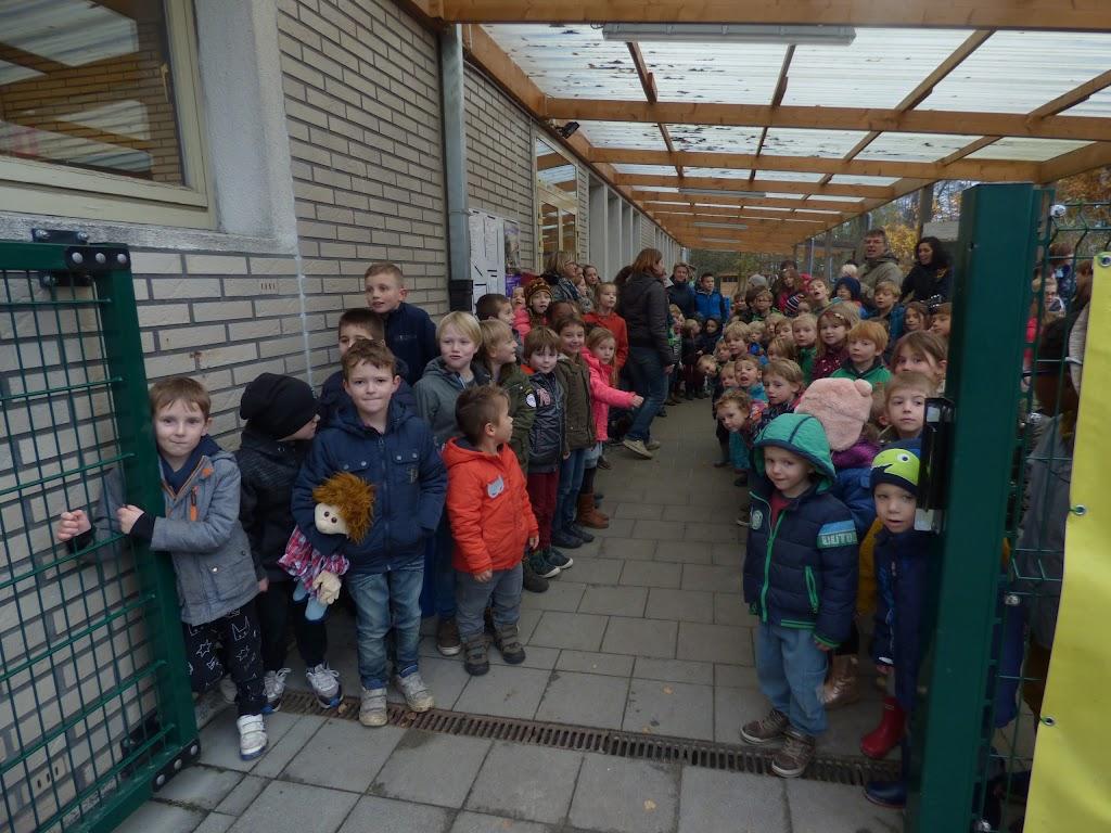 Sinterklaas op bezoek - P1060456.JPG
