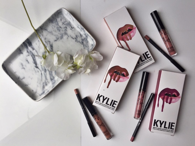 Kylie Lip Kit review, Kylie Lip Kit swatches, Candy K Swatch, Posie K swatch, Dolce K swatch, Kylie Cosmetics, Kylie Lip Kit review
