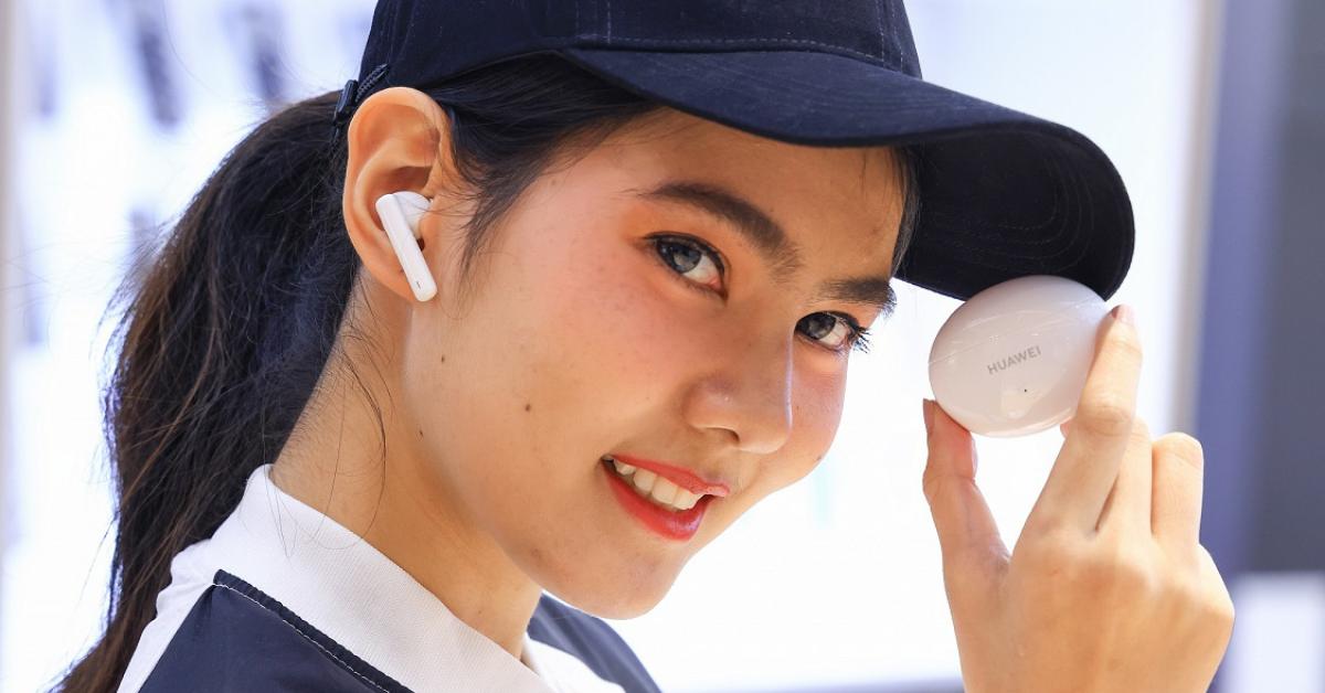 """5 เหตุผลกับ """"ขั้นกว่า"""" ของเทคโนโลยี ที่ทำให้เราต้องหันมาใช้ """"หูฟังไร้สาย"""""""
