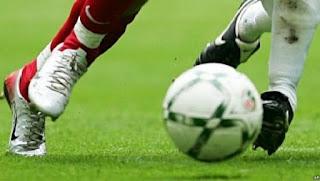 Foot: l'Ivoirien Yaya Touré annonce sa retraite internationale
