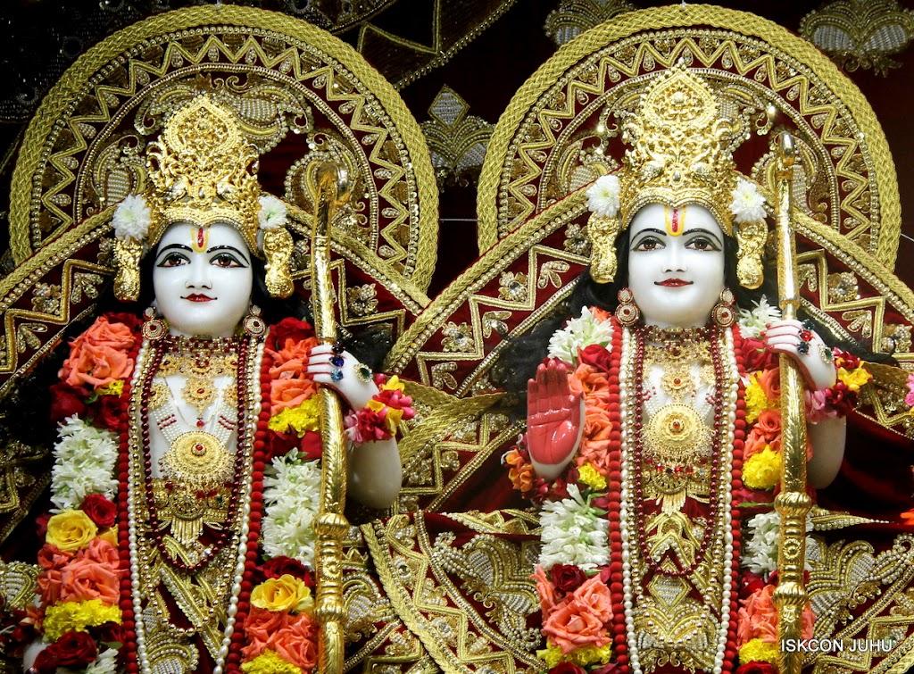 ISKCON Juhu Sringar Deity Darshan on 5th Aug 2016 (34)