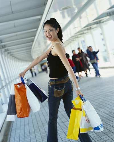 9ef72a3fc A maioria das mulheres brasileiras prefere lojas de rua. É o que diz um  levantamento do Ibope Mídia