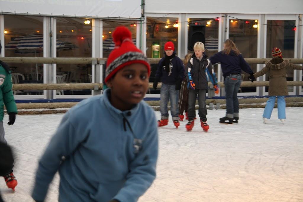 Sinterklaas bij de schaatsbaan - IMG_0334.JPG