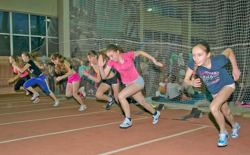 Фотографии. Командний чемпіонат області у приміщенні серед юнаків та дівчат 1998-99, 2000 по легкой атлетике