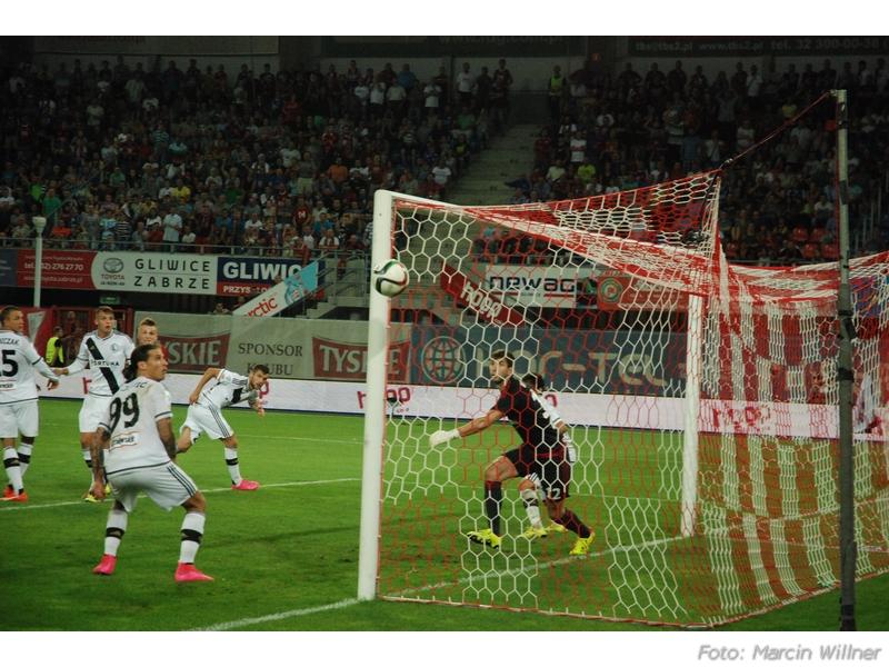 Piast vs Legia 2015-08 36.jpg