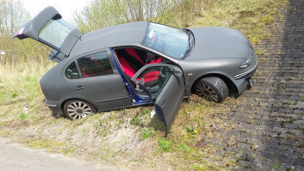 01_Foto_POL_OudeMaas_ongeval_1e_Barendrechtseweg.jpg