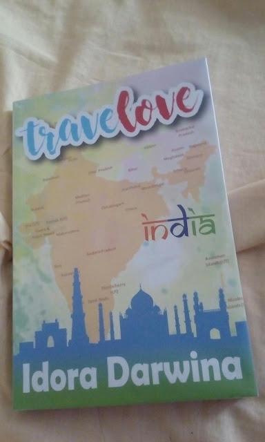 Travelove oleh Idora Darwina
