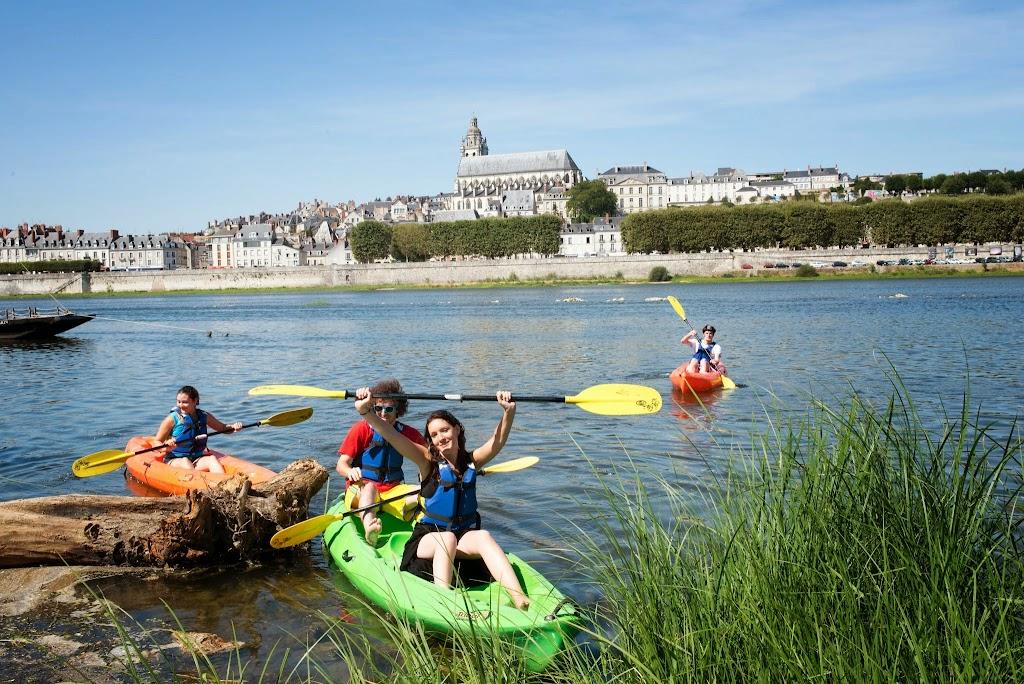 (2)canoe-sur-la-loire-bloiscanoe-sur-la-loire-blois©CDT41-Mirphoto2012