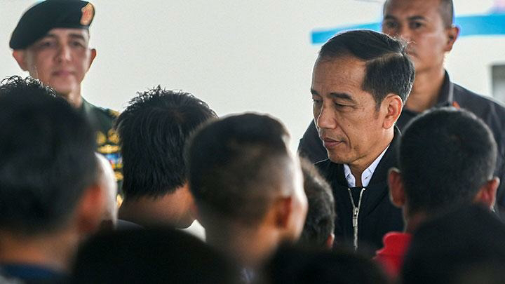 Ready to Face China's, Jokowi Vows to Build Bridge connecting Batam-Bintan