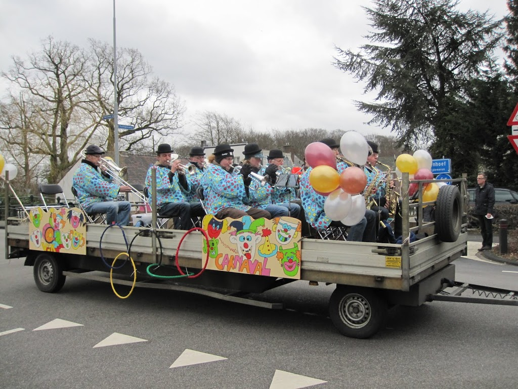 Welpen - Knutselen carnaval - IMG_5404.JPG