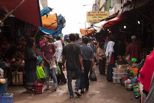 Kebijakan PPKM dinilai beratkan para pedagang kecil