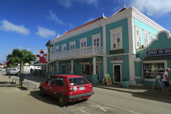 Bonaire Highstreet 001