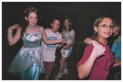 Camp 2006 - dance_03.jpg