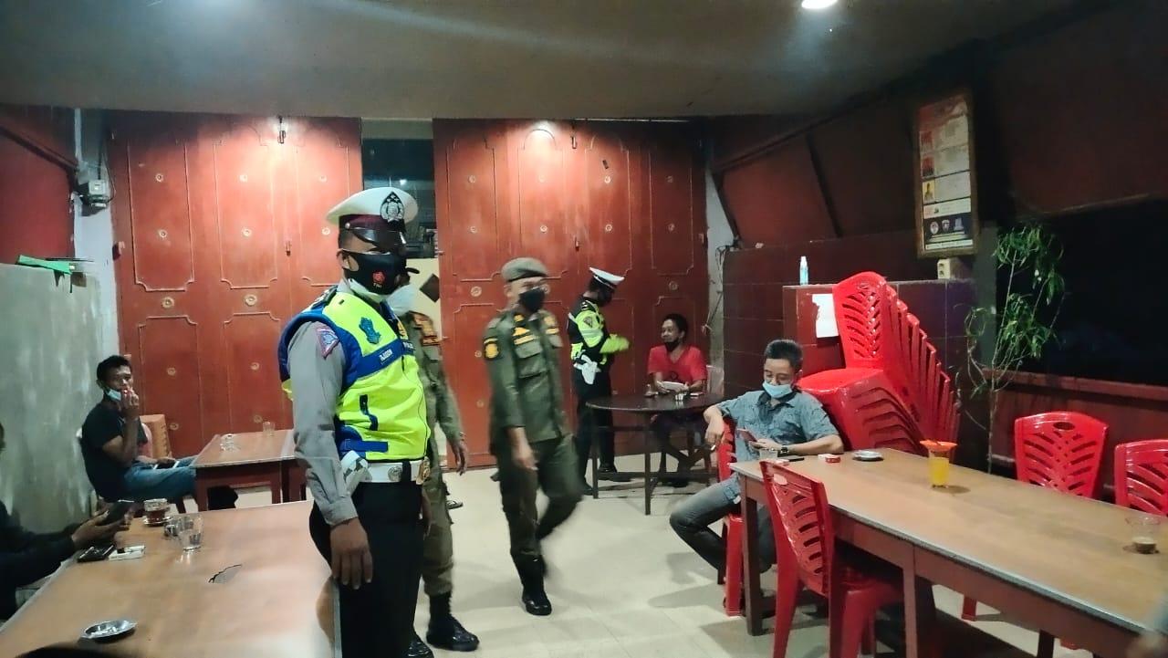 Gelar Patroli Skala Besar, Kapolres Soppeng Imbau Warga Taat Prokes