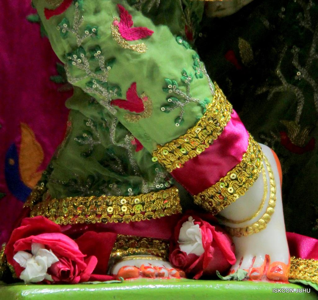 ISKCON Juhu Mangal Deity Darshan on 19th Nov 2016 (26)