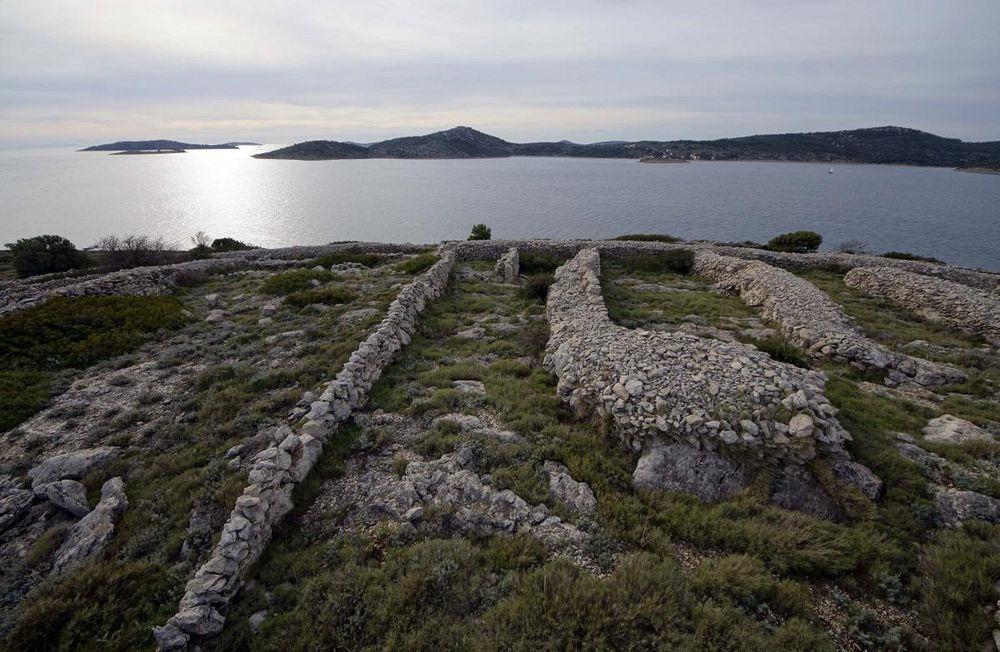 croatia-dry-stone-walls-4