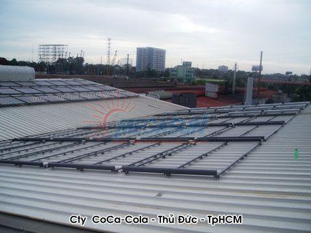 Hệ thống máy nước nóng năng lượng mặt trời tập trung MEGASUN tại Công ty nước giải khát COCA COLA - Thủ Đức, Việt Nam