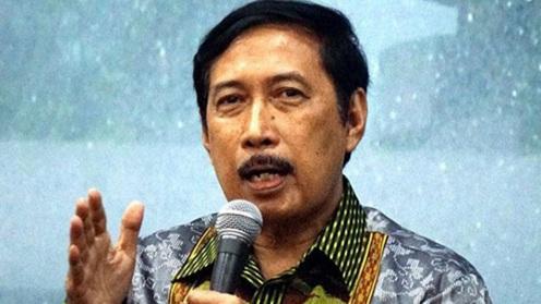 Musni Umar Dukung Penuh Rocky Gerung Lawan Sentul City: Galang Persatuan untuk Bantu Rocky