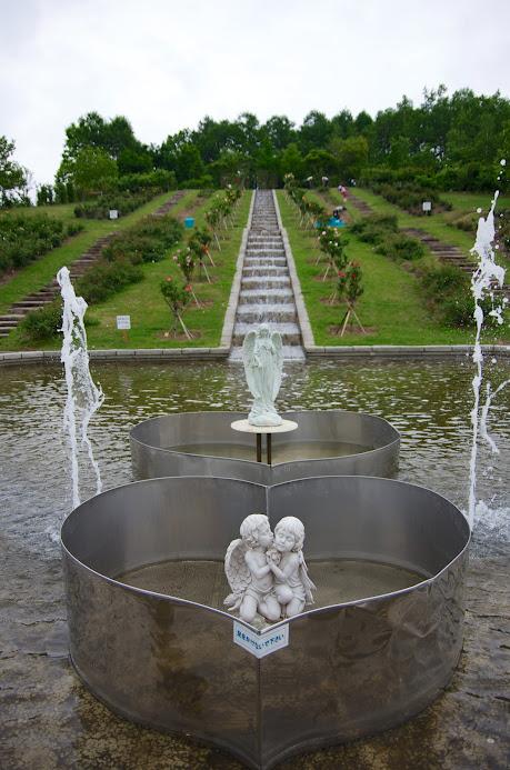 修景池のモニュメント