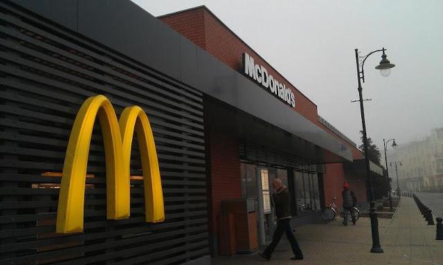 當時放上FB的Malbork麥當勞照片