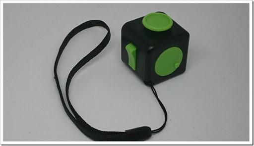 DSC 1343 thumb%25255B2%25255D - 【ガジェット】「XeYOU Fidget Cube (フィジェットキューブ)ストレス解消キューブ」「Readaeer® CREE社製 CREE-T6搭載 超高輝度LED 懐中電灯」レビュー。【フィジェット/小物/LED】