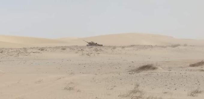 El Ejército saharaui continúa bombardeando posiciones del ejército marroquí a lo largo del muro militar que divide el Sáhara Occidental.