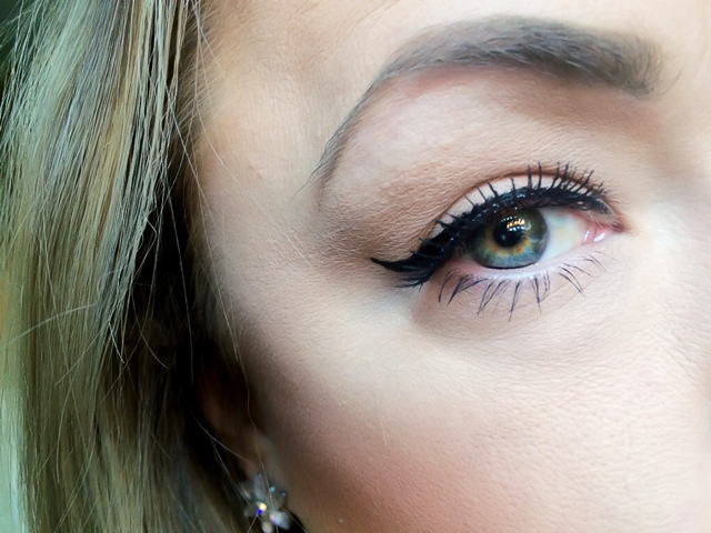 Bourjois MEGA Liner in Ultra Black. Review and Photos